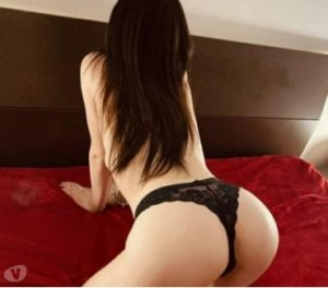 Similienne escorts Burr Ridge