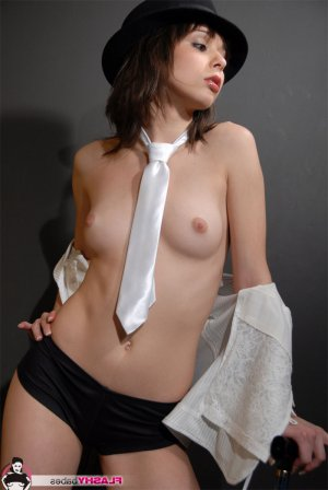 Hyzia real escorts California, CA