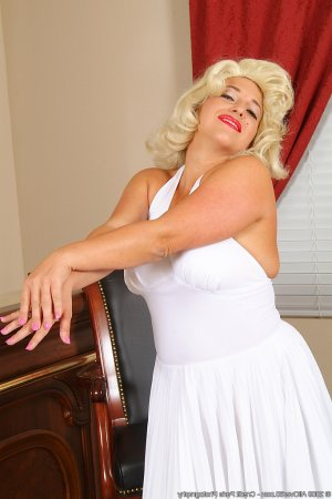 Laureene gfe escorts Desbrorough